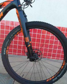 KTM Scarp Prestige Carbon 2017 Tamanho M (17), Peso 10,49 Kg.