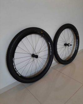 Rodas FSA Afterburner 148 2019, Peso 1,84 Kg sem pneus, Usadas.