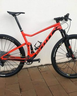 Scott Spark RC 900 Team Carbon 2019 Tamanho L (19), Peso aprox. 10,7 kg.