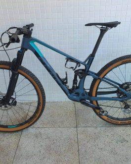 Sense Carbon Invictus Factory 2020 Tamanho M (17), Nota Fiscal, Peso 10,7 kg