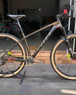 Scott Scale 910 Carbon  2019 Tamanho M (17), Peso Aprox. 9,8 Kg.