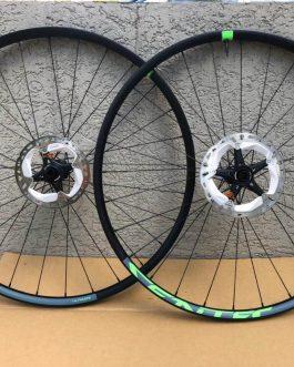 Rodas Sentec Ultimate Boost, Peso 1,7 Kg sem discos, Usadas.