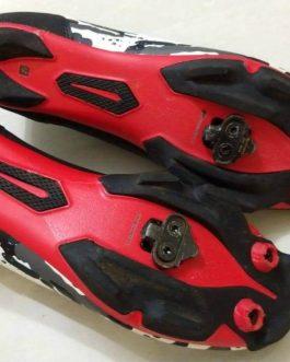 Sapatilha Bontrager Cambion Camo Red Tamanho 42 BR / 44 EUR, Nota Fiscal, Usada.