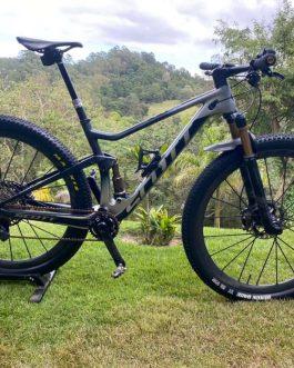 Scott Spark RC 900 SL AXS Carbon 2020 Tamanho M (17), Nota Fiscal, Peso Aprox. 9,5 Kg, Usada.