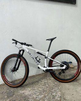 Specialized Epic Pro Carbon 2021 Tamanho M (17), Nota Fiscal, Peso Aprox. 9,75 kg sem pedais, Usada.