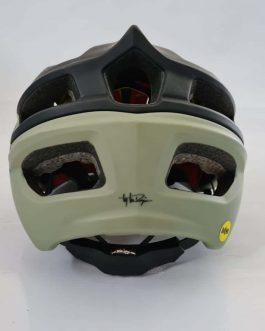 Capacete Troy Lee Designs A2 MIPS Tamanho M/L (57-59 cm), Peso Aprox. 385 g, Usado.