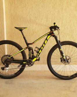 Scott Spark 930 Carbon 2017 Tamanho S (15), Peso Aprox. sem pedais 12,2 kg, Usada.